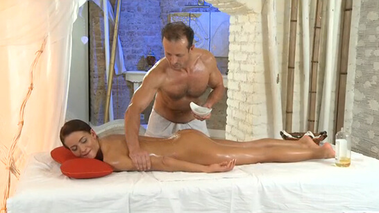 Adele fucked after a relaxing massage
