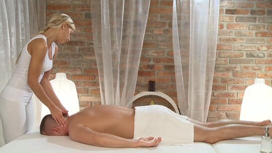 Amazing masseuse in yoga pants