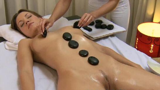 Elisa gets a dirty massage